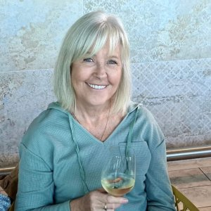gold coast black personals Mcr100, 58yo single female from gold coast, qld | looking for men,  cruise for local gay, bi and curious men for casual dating, hookups, webcam chat & more.